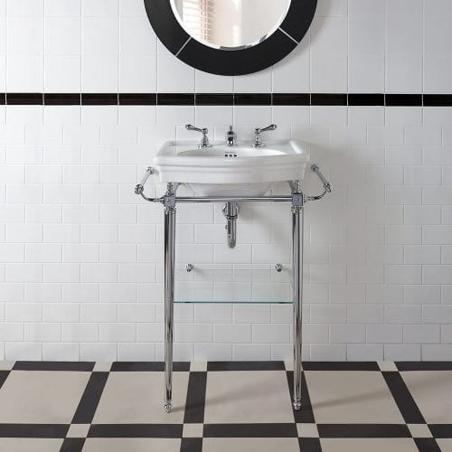Firenze cloak basin stand room shot