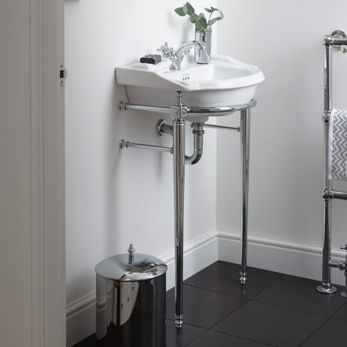 Drift basin stand with chrome legs